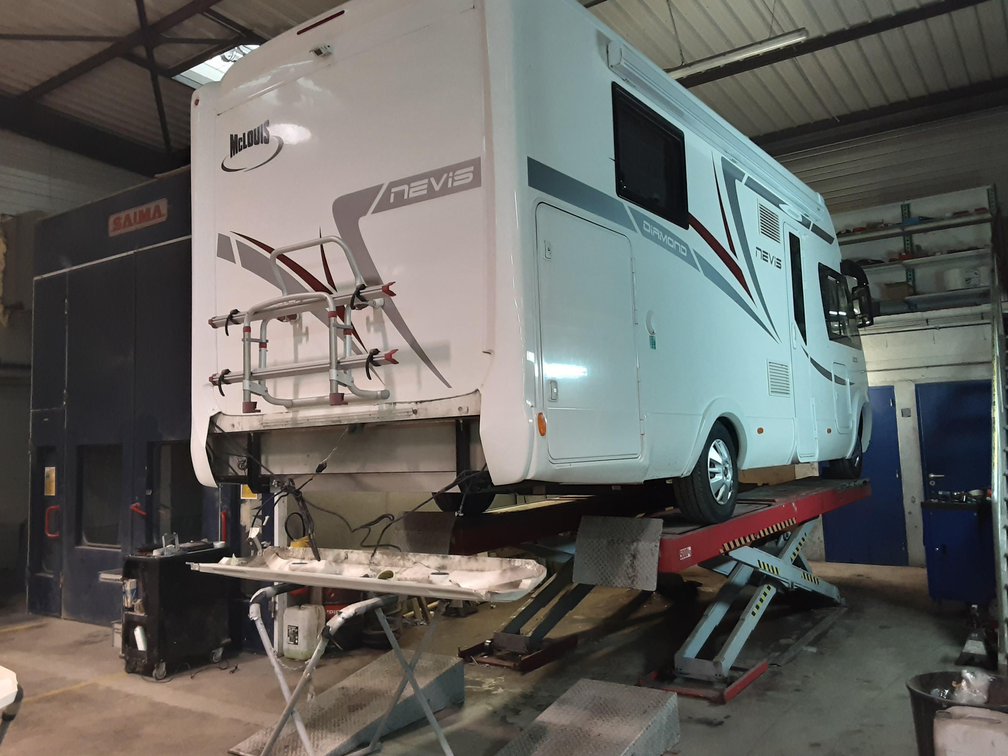 AUTO POLY RÉPAR vous propose un magasin et un atelier dédié à la réparation et l'entretien de camping-car et caravane.